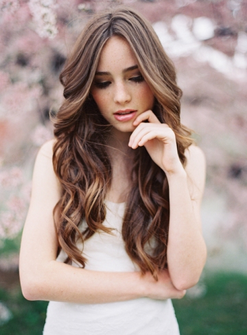 natural-wedding-hairstyles-wavy-curly-long-hair1